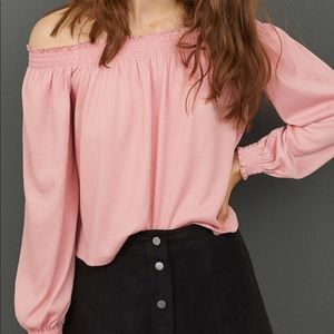 NWT H&M Divided Cold Shoulder Top